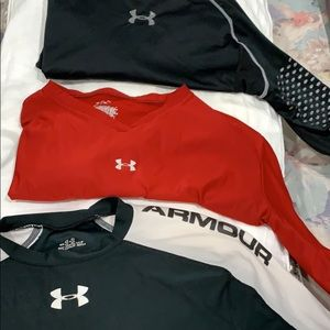 Tops - 3 long sleeve under armour tops